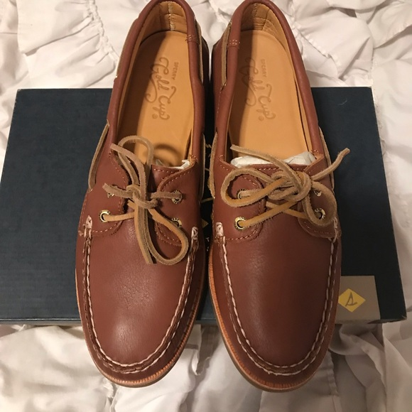 Women's Gold Cup Leather Sperry Shoes Size 7.5 NWT